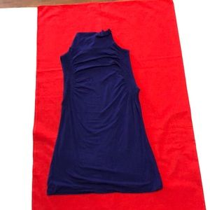 Sleeveless turtleneck the Limited size small